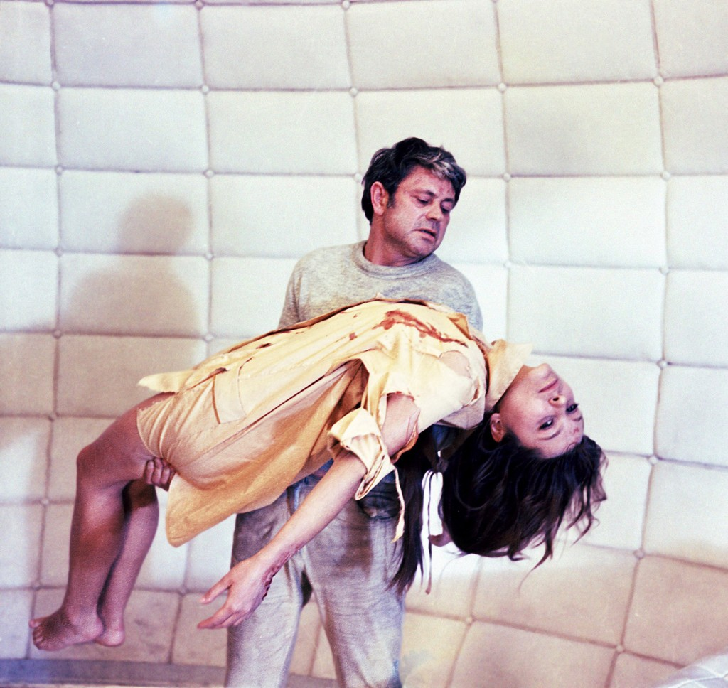 In Solaris, Kris Kelvin holds his wife, Hari, dead again.